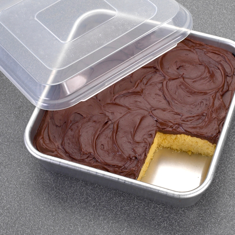 Nordic Ware 9 Quot Square Cake Pan With Lid Country Lane